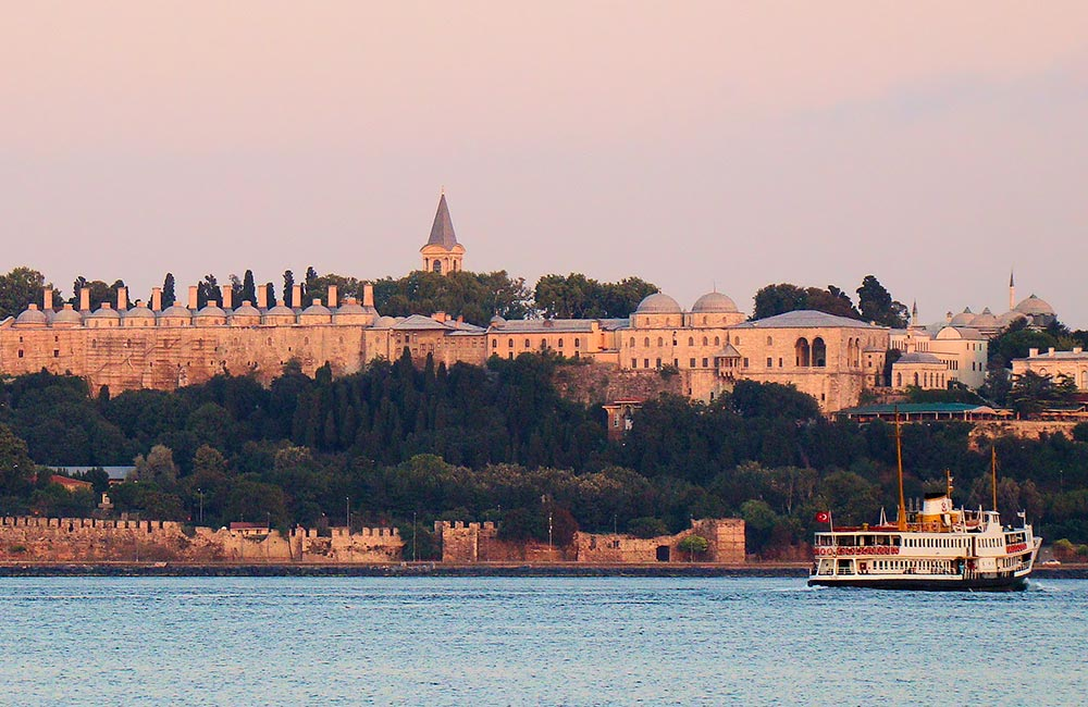 Topkapi_Palace_Seen_From_Harem