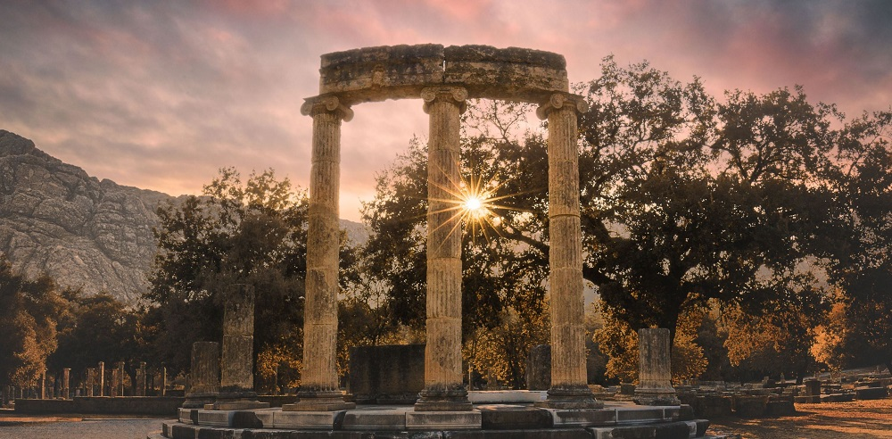 shutterstock_604221098_Sunset-in-Ancient-Olympia-Greece_2-1